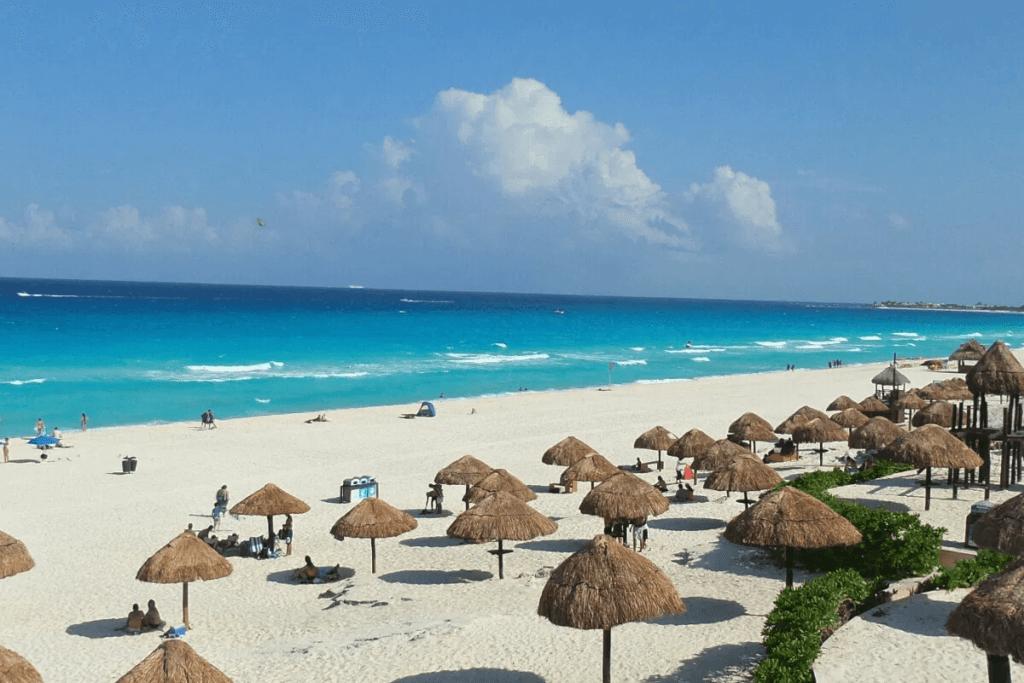 Playas de Cancún - Playa Delfines