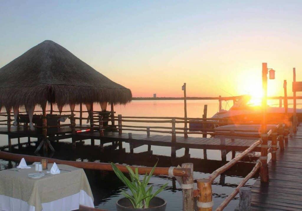 playa delfines cancun navios 1