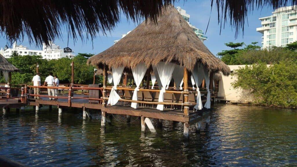 playa delfines cancun navios 2