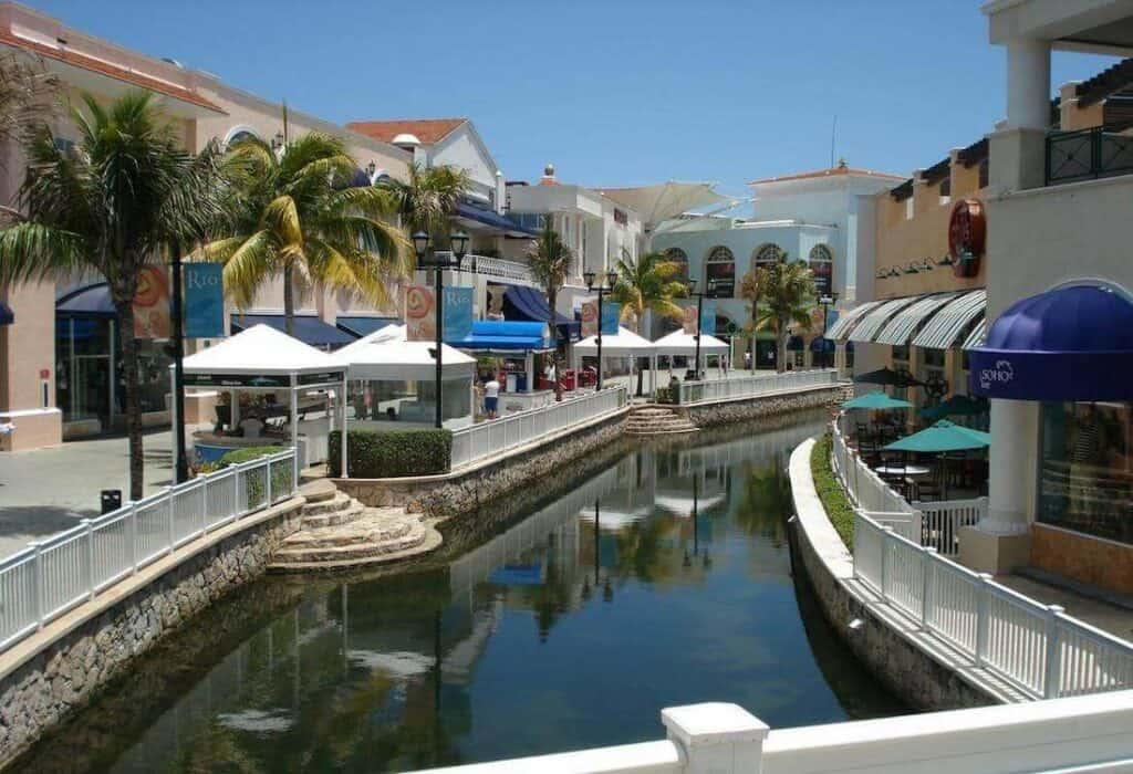 plaza la isla cancun canales