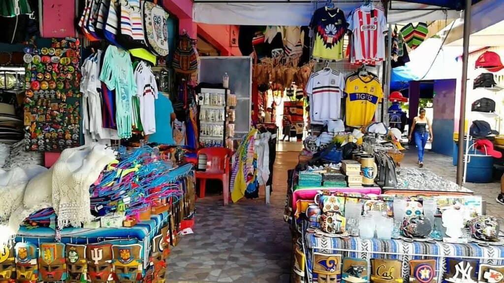 que hacer en cancun - mercado artesanias