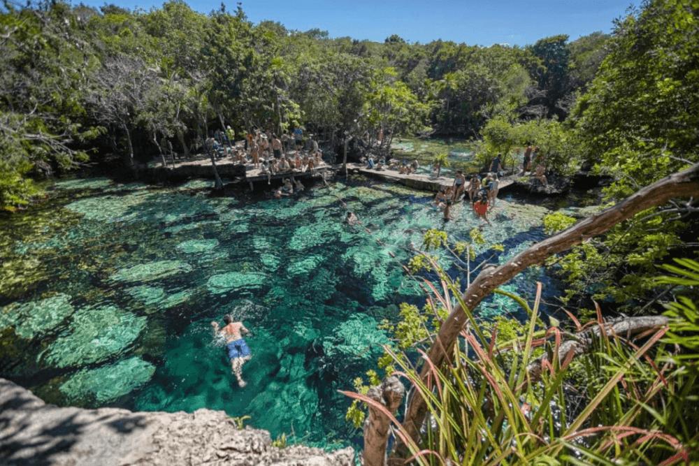 Cenote Esmeralda Bacalar - Cenote Azul