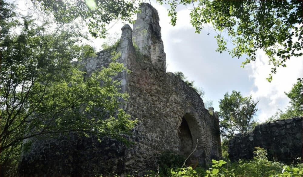 Holbox Quintana Roo - Ruinas de la iglesia Boca Iglesia