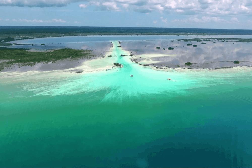 Laguna de Bacalar - La Ruta de los Piratas