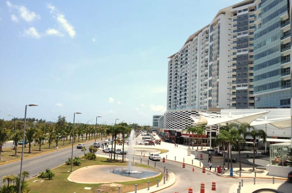 Lugares turísticos de Cancún - Malecón Américas
