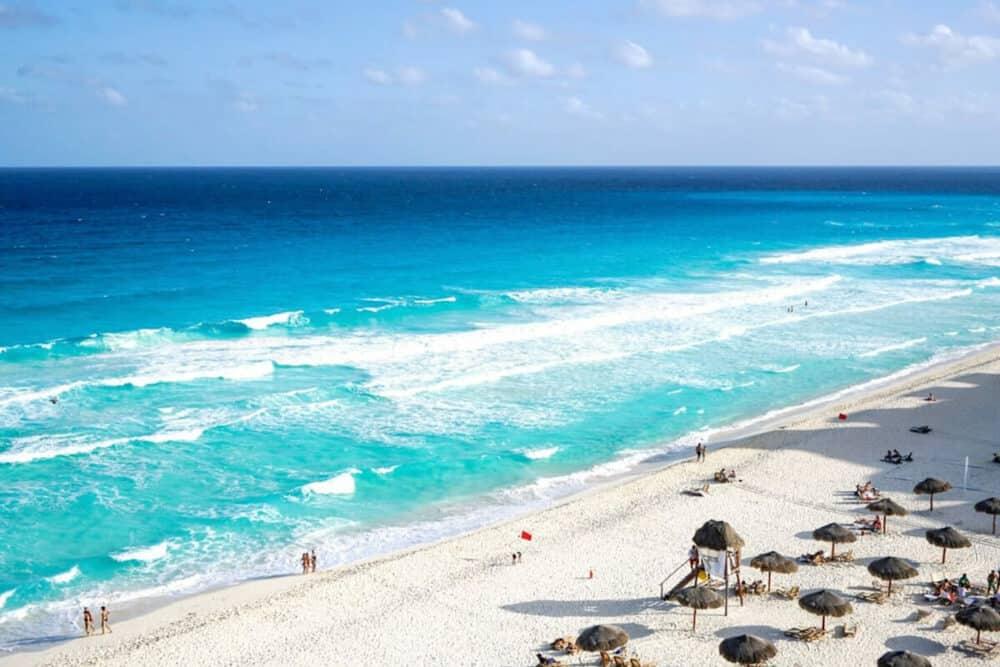 Lugares turísticos de Cancún - Playa Delfines