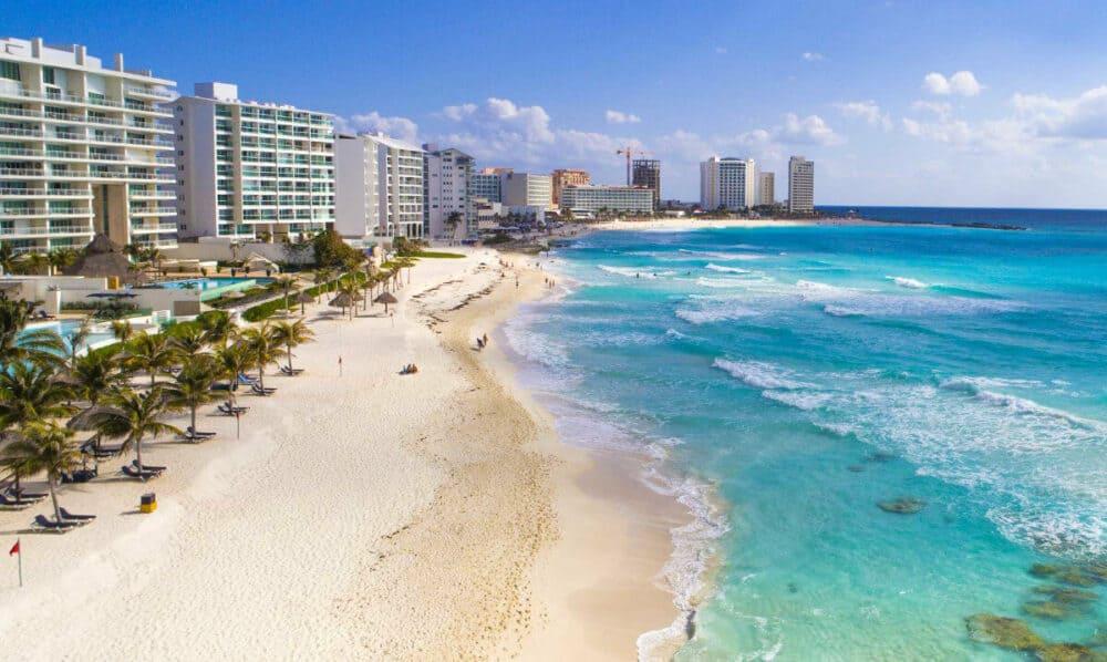 Lugares turísticos de Cancún - Playa Forum