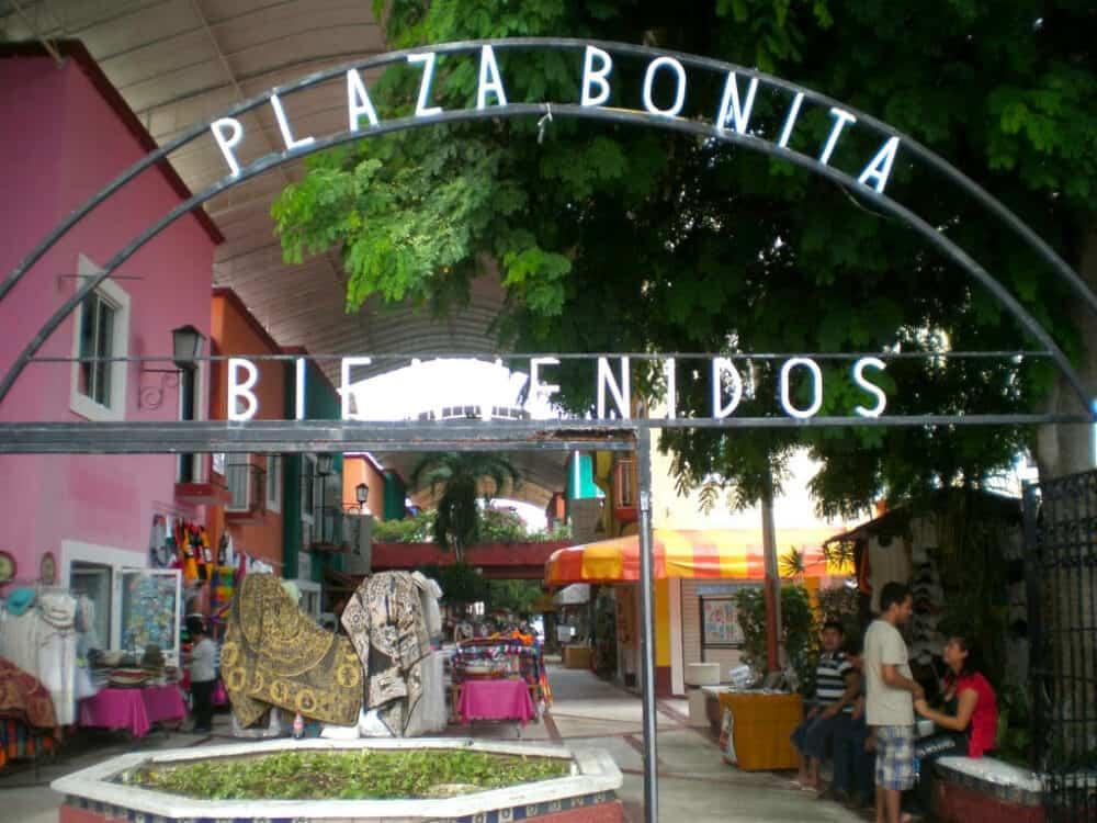 Lugares turísticos de Cancún - Plaza Bonita