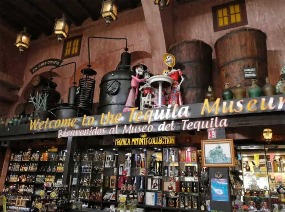 Playa del Carmen Quinta Avenida - Museo del Tequila