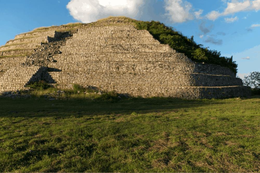 Izamal Yucatán - Pirámide Kinich Kakmó