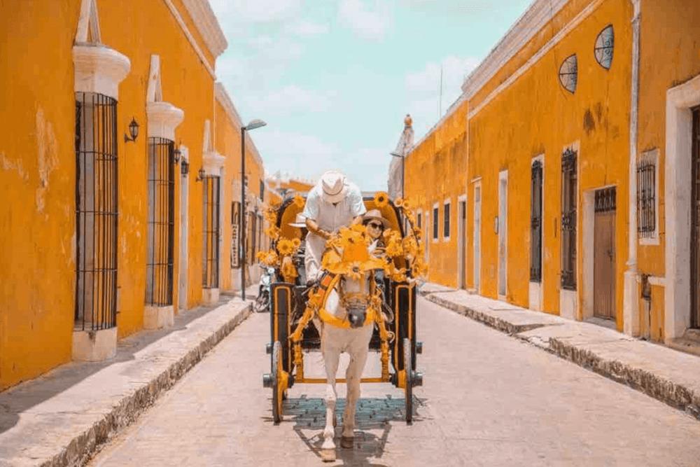 Izamal Yucatán - Un recorrido en calesa o bicicletas