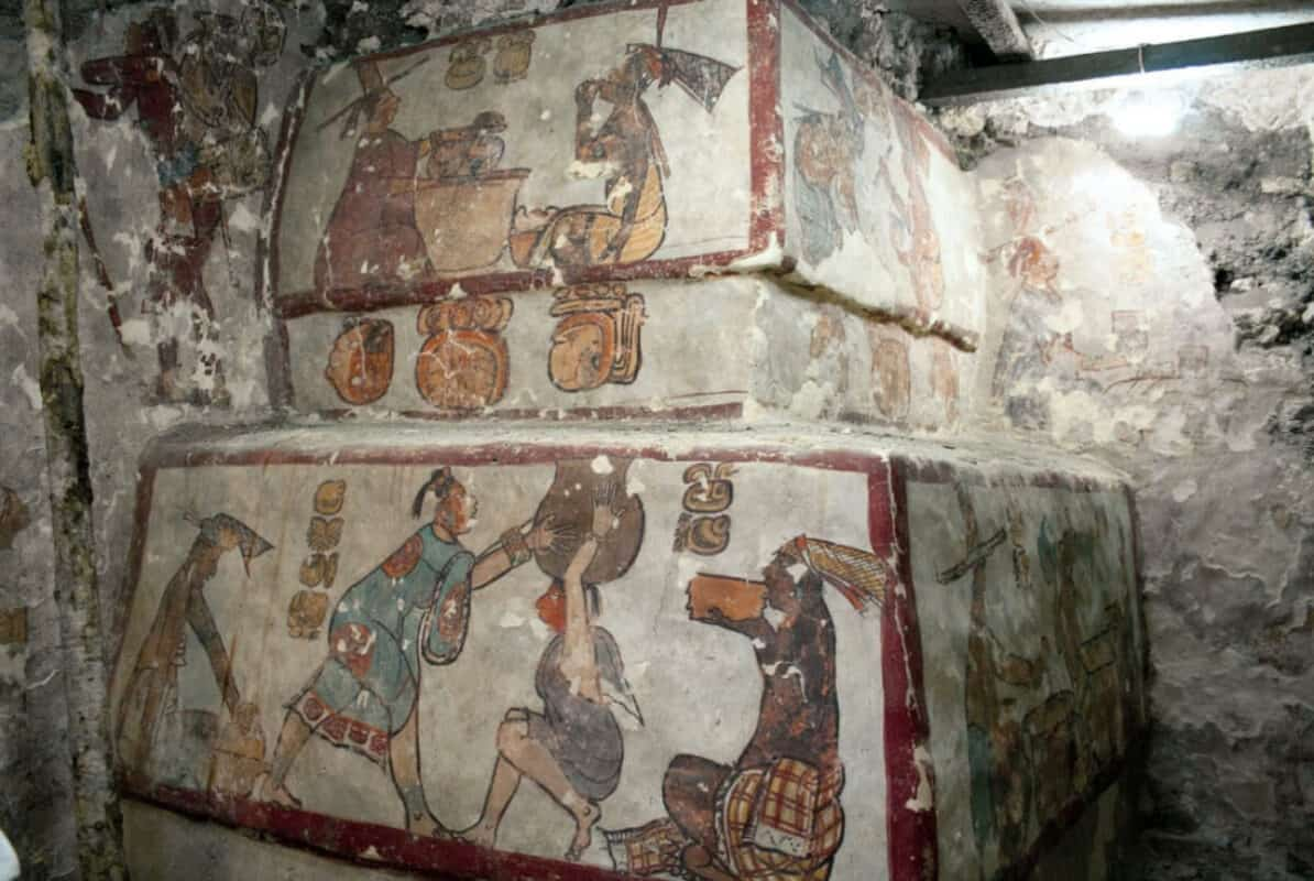 Calakmul Campeche - Pinturas en acrópolis Chiik Nahb