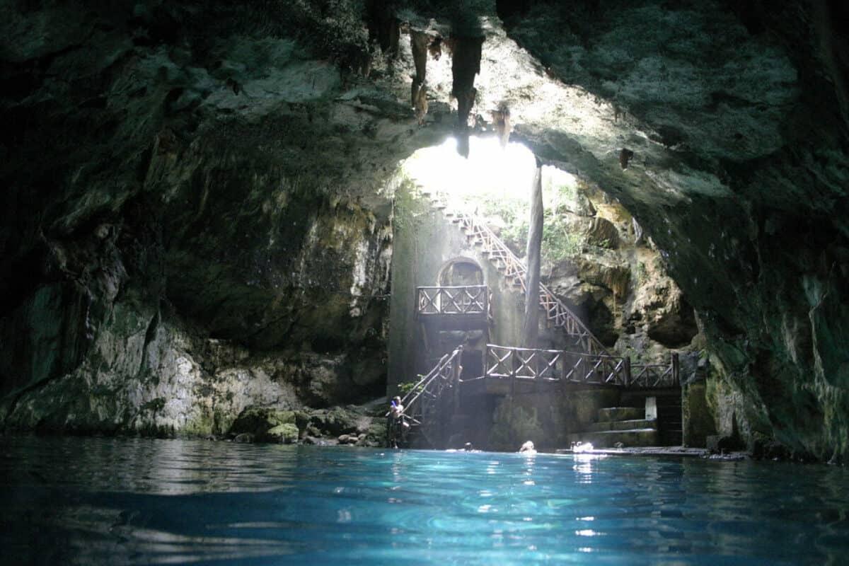 Cenotes de Cuzamá - El Cenote De Chelentún