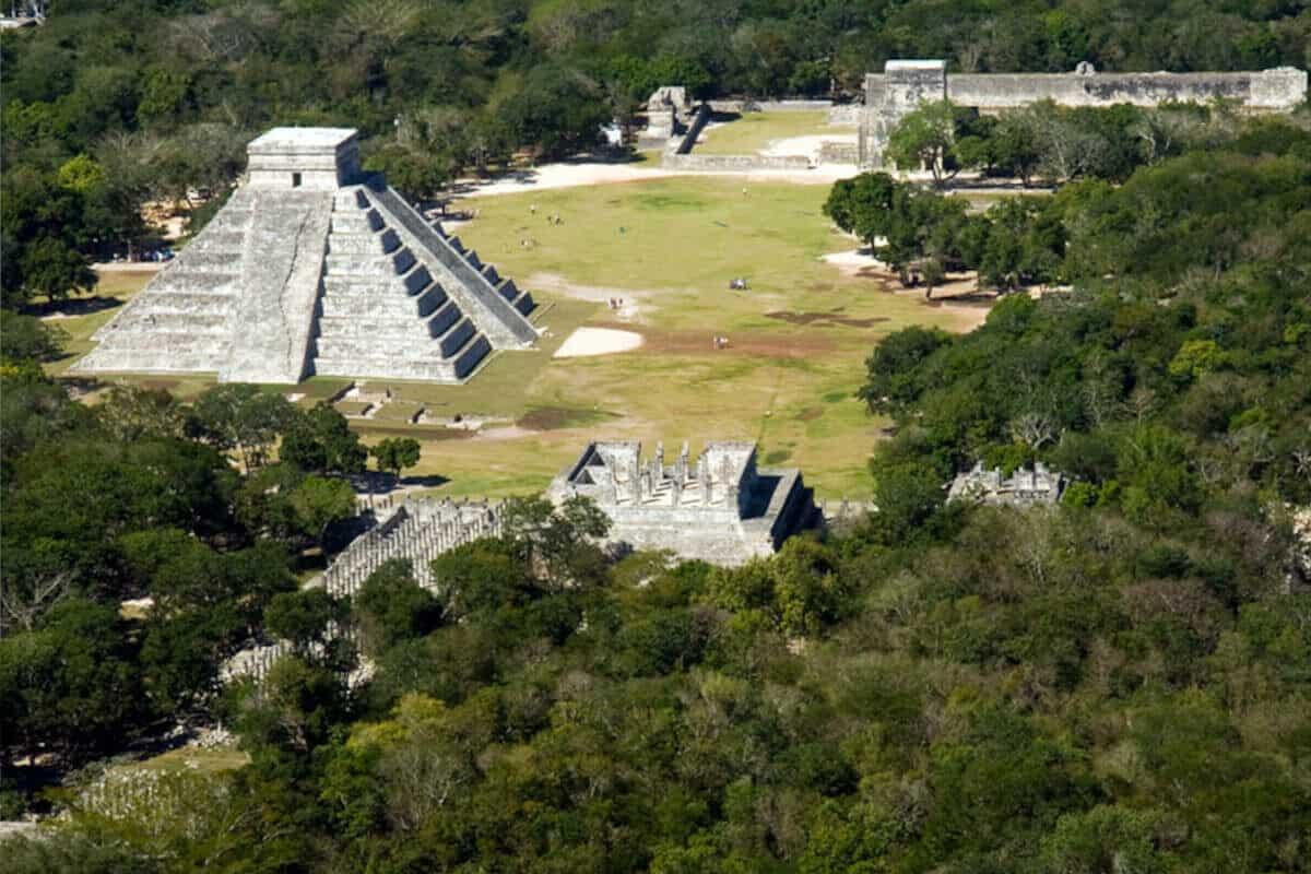 Cómo y para qué se construyó la pirámide de Chichen Itzá - Qué edificios encontrar en Chichen Itzá