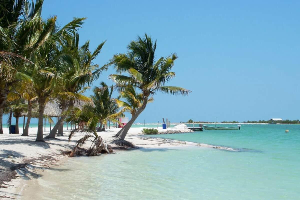 Las mejores Playas de Yucatán - La Playa San Felipe