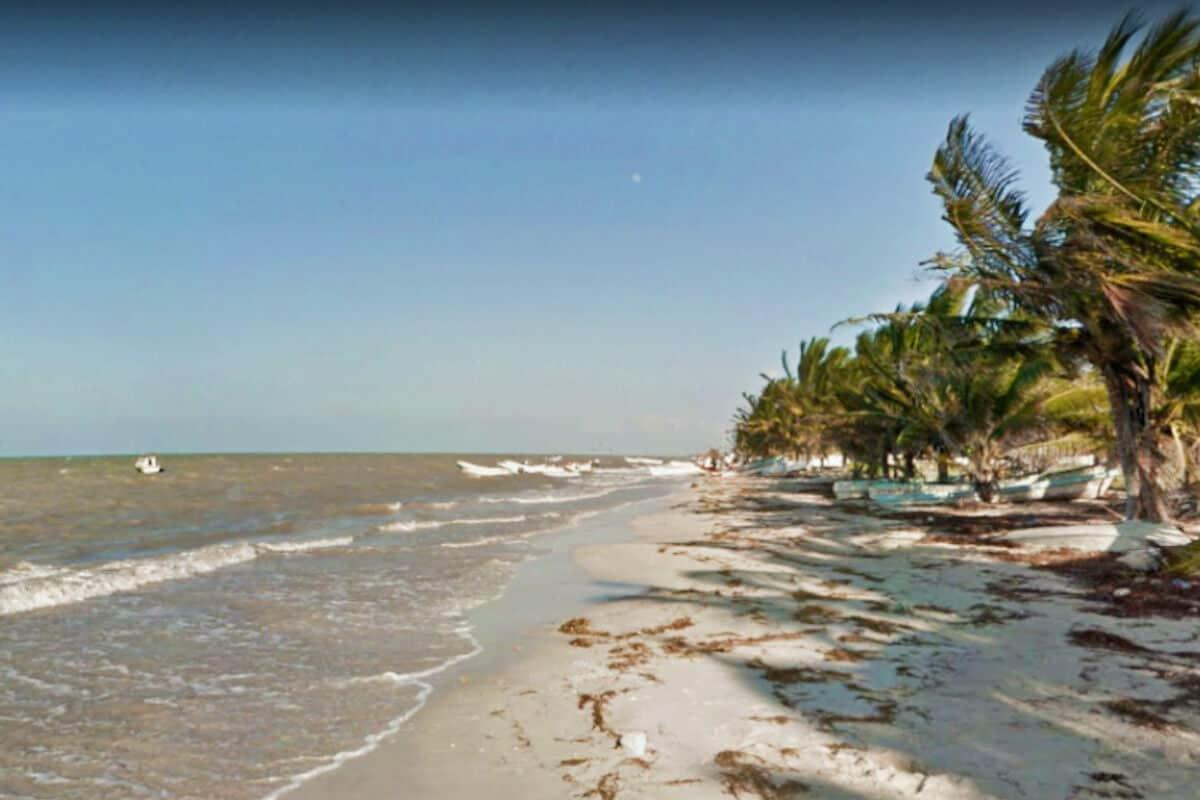 Las mejores Playas de Yucatán - La playa Dzilam de Bravo