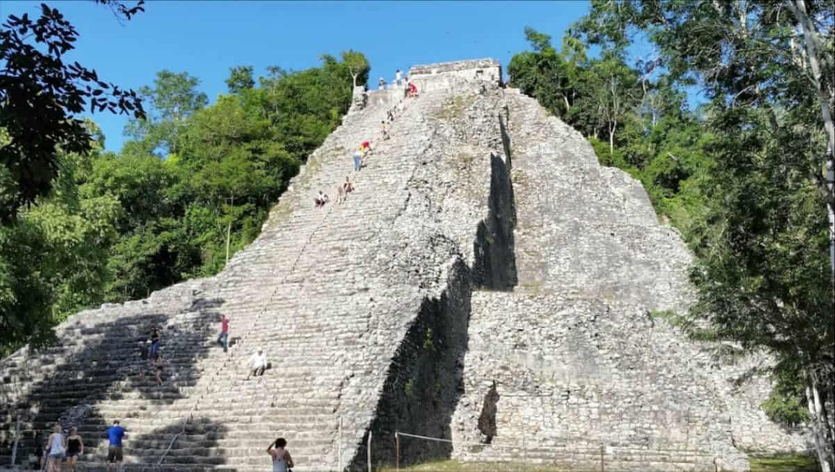 Pueblos Mágicos de Quintana Roo - Cobá pirámide