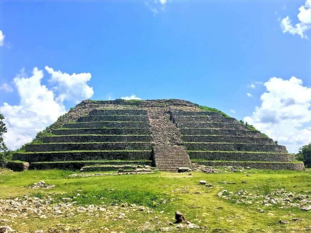 Pueblos mágicos Yucatán - Pirámide de Kinich kakmó