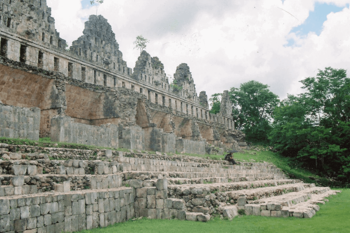 Uxmal Yucatán - La Gran Pirámide y La Casa de las Palomas