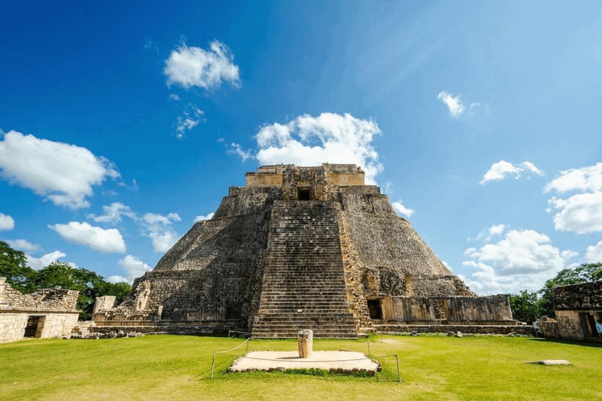Uxmal Yucatán - La Pirámide del Adivino