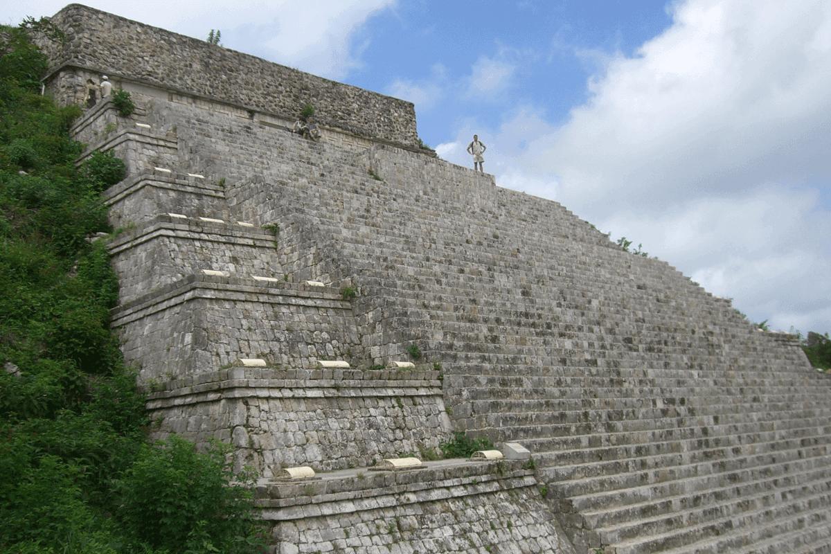 Uxmal Yucatán - Un poco de historia de Uxmal Yucatán