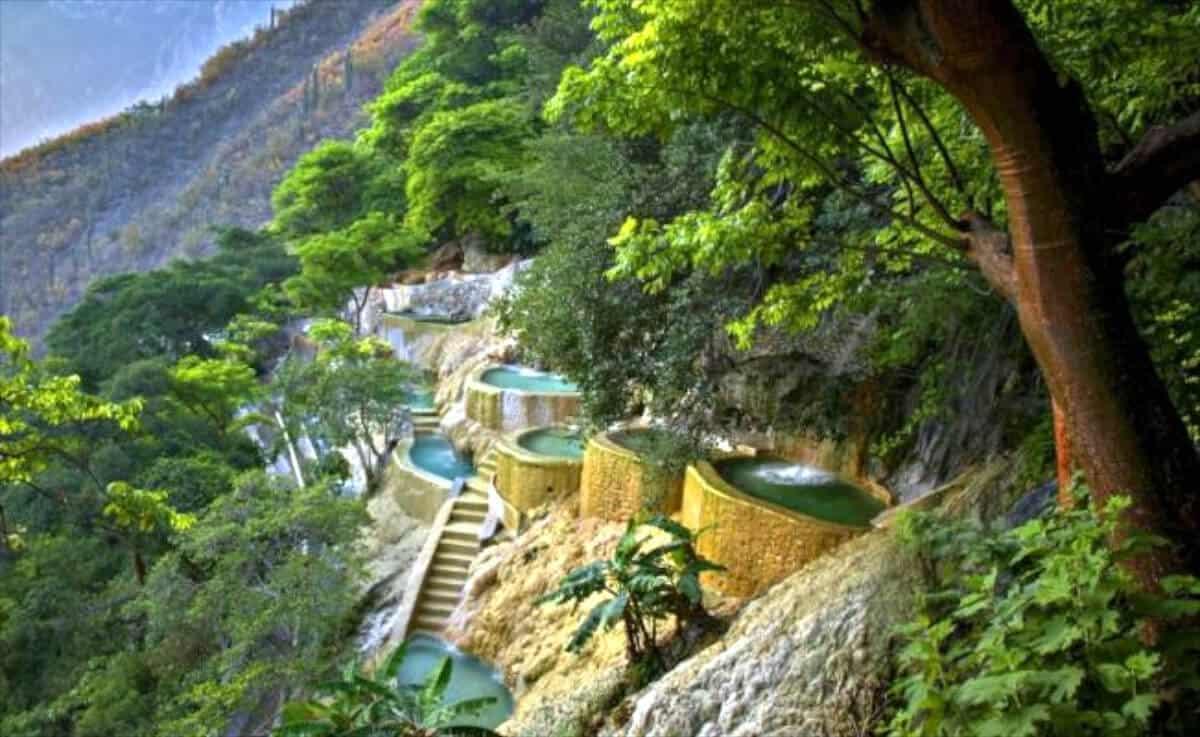 Mejores destinos México - Grutas de Tolotango