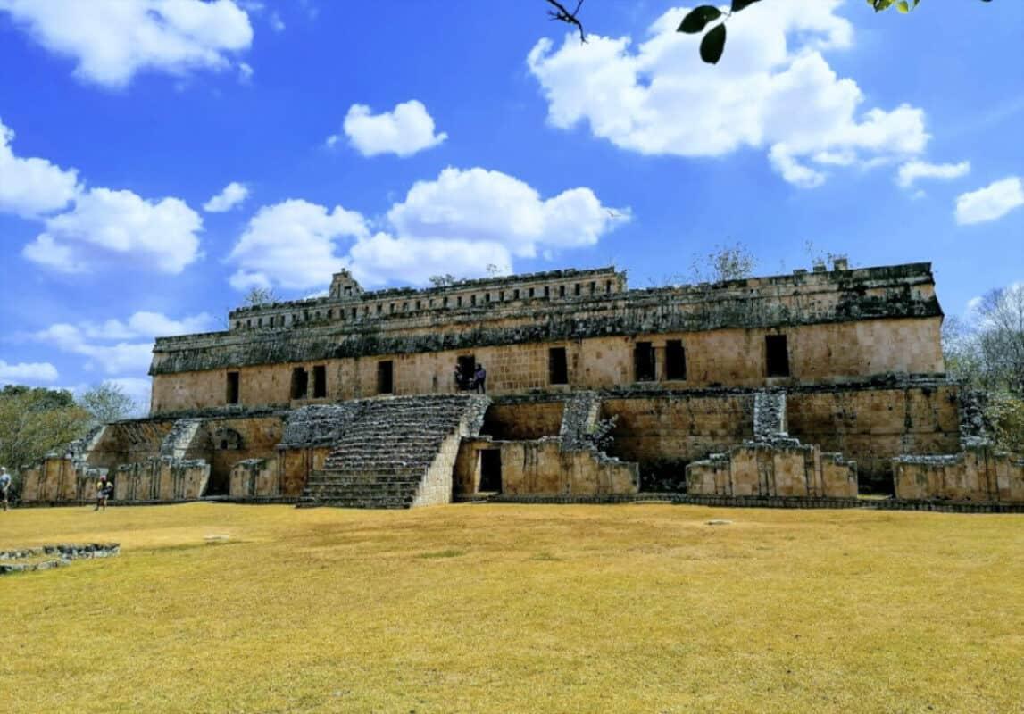 Zonas arqueológicas de Yucatán - Kabáh Edificio de El Palacio