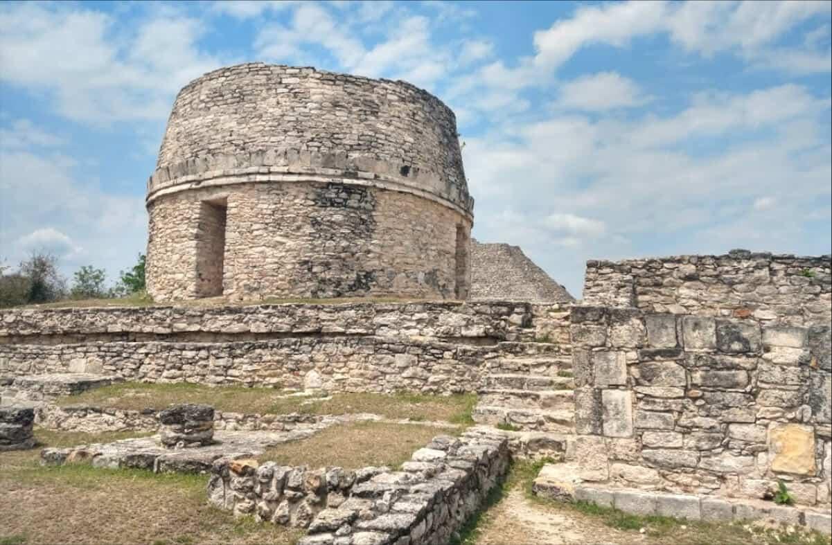 Zonas arqueológicas de Yucatán - Mayapán Edificio Redondo
