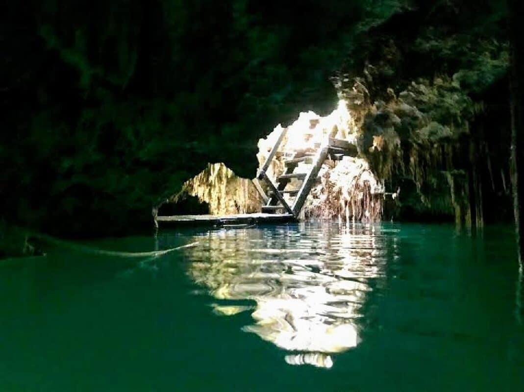 Cenote Siete Bocas - interior del cenote