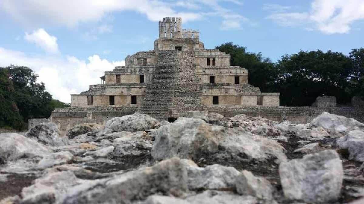 Edzná Campeche - Edificio de los cinco pisos