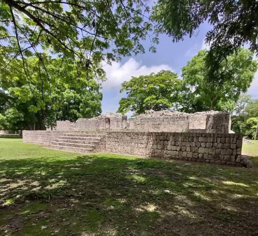 Edzná Campeche - Plataforma de los Cuchillos