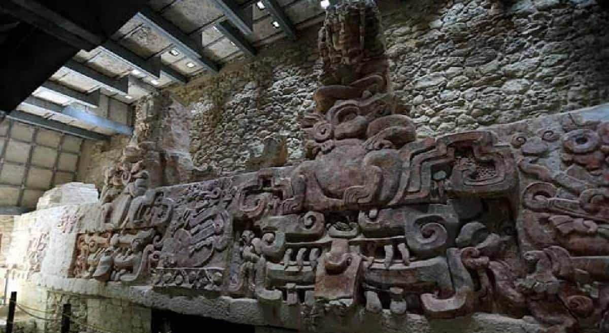 Balamkú Campeche - detalles friso del universo