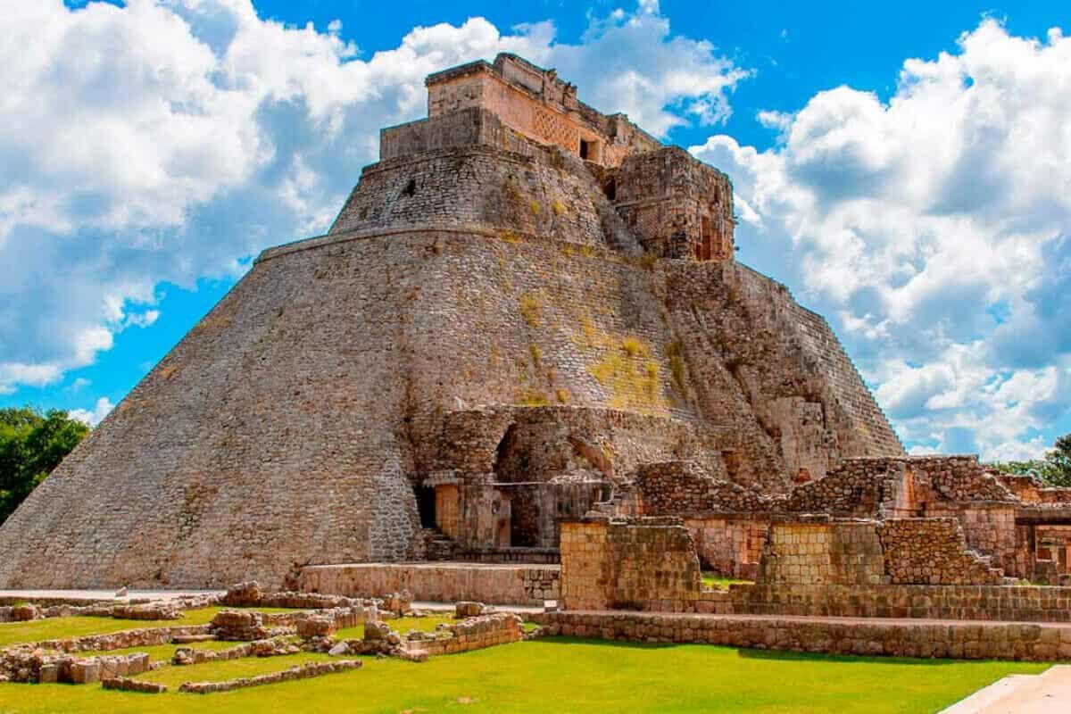 Ciudades principales de los Mayas - Uxmal de Yucatán