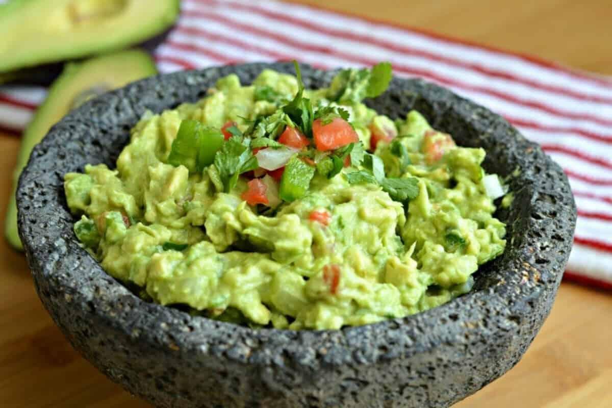 Gastronomía de los Mayas - El Aguacate y el Guacamole