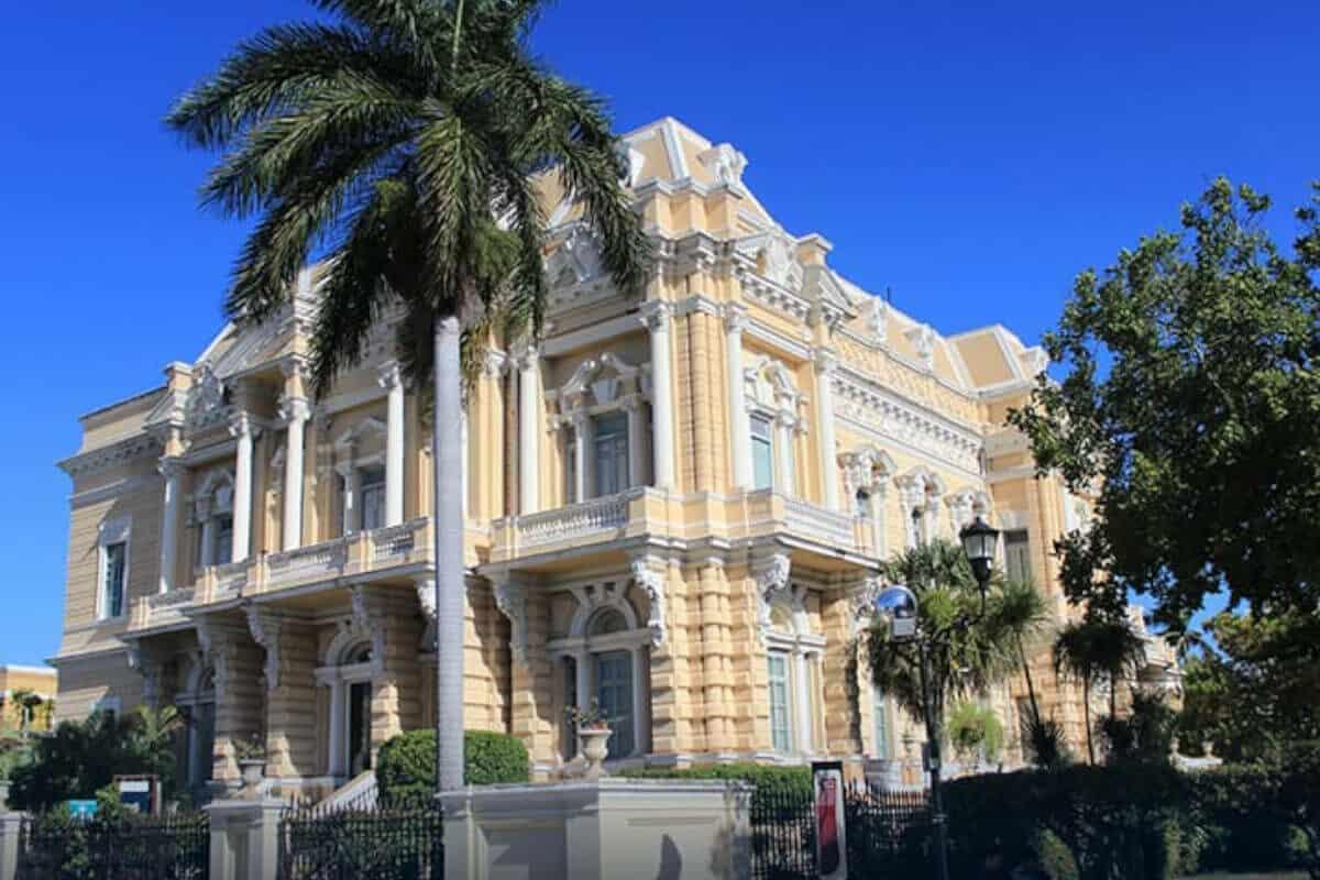 Paseo de Montejo - El Palacio Cantón