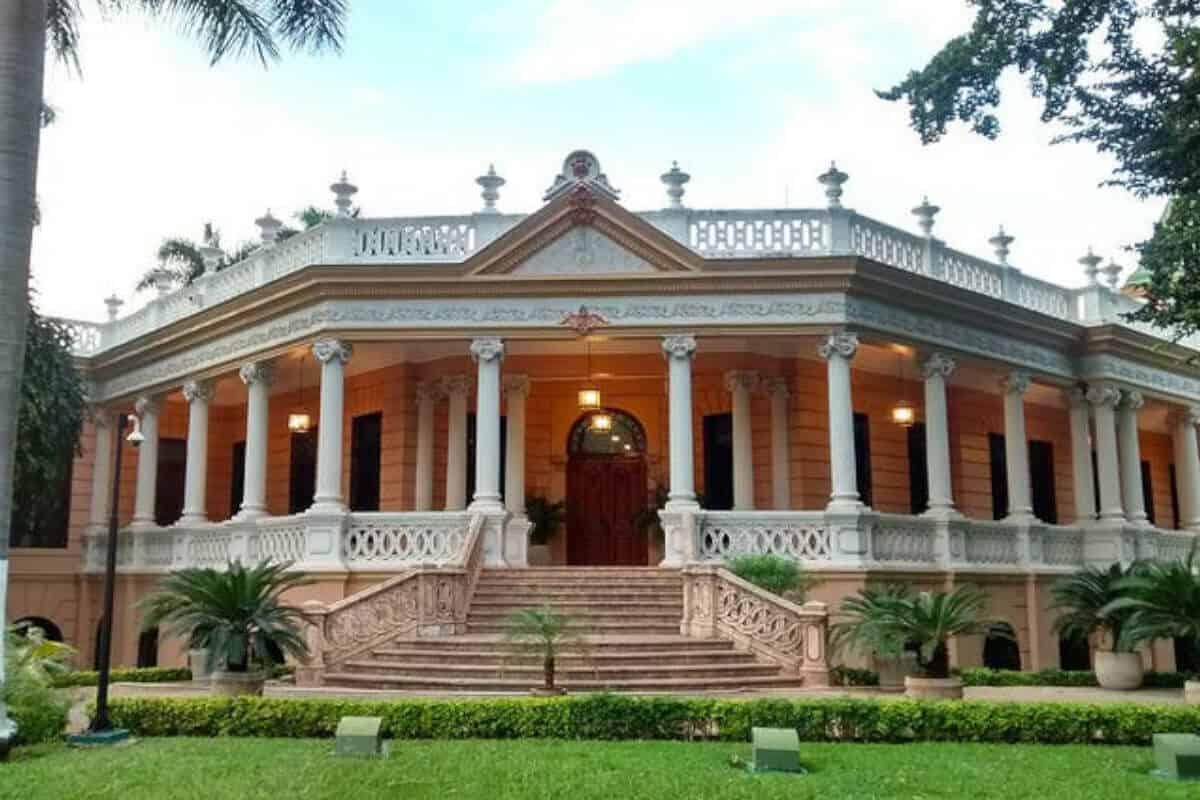 Paseo de Montejo - La Casa de Peón de Regil