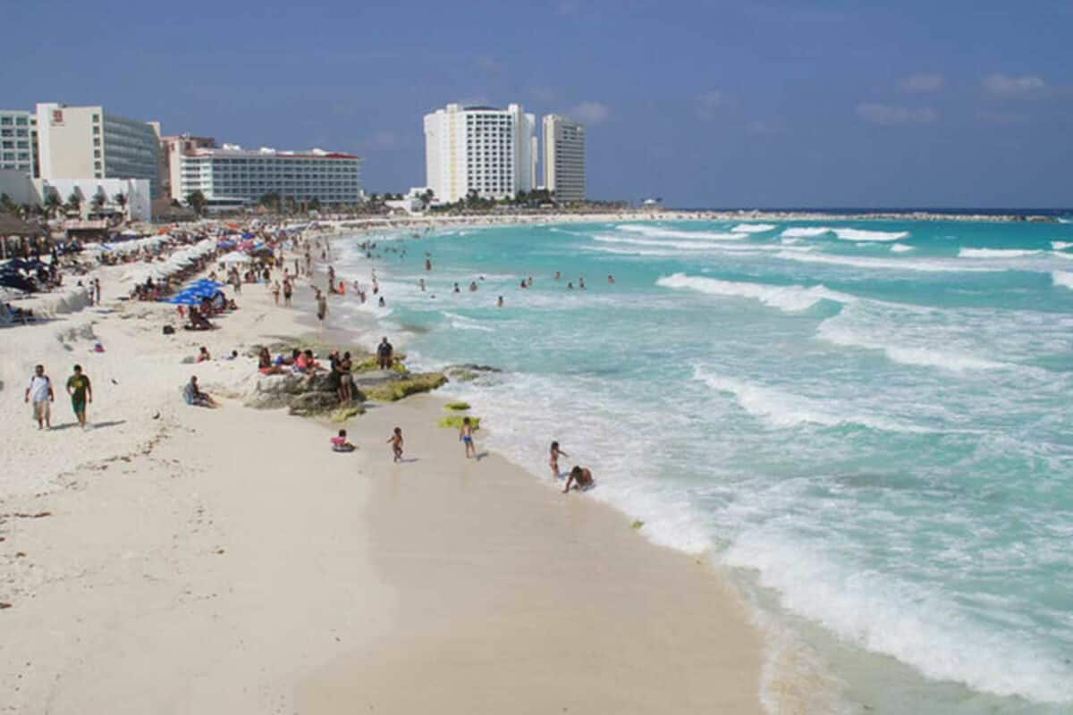 Playas públicas en Cancún - Playa Chac Mool