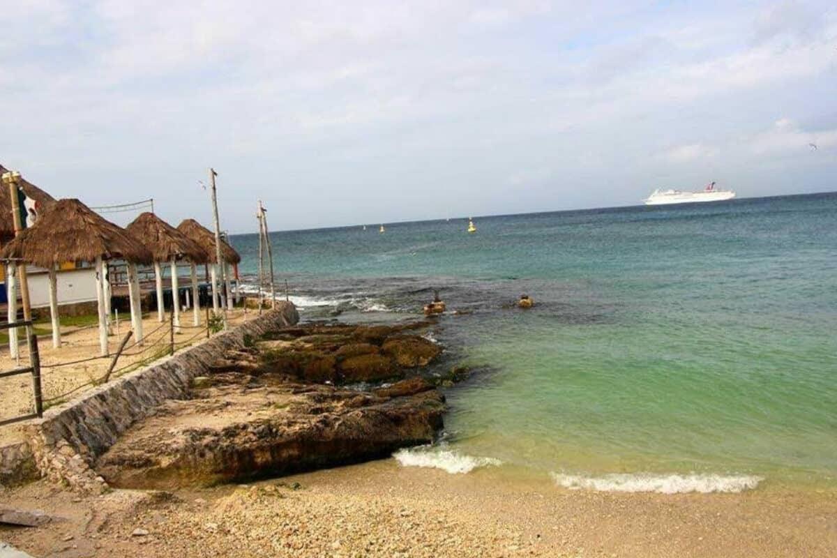 Playas públicas en Cozumel - Playa Caletita